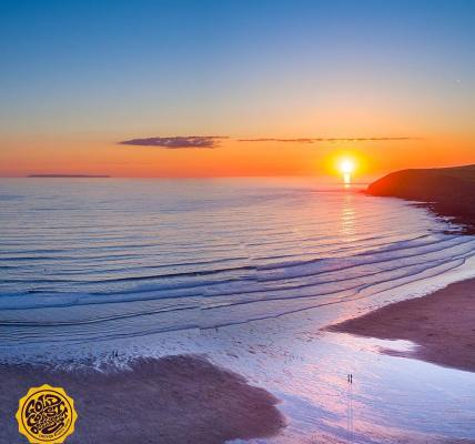 Flat as pancakes! Not quite but come midsummer when the sun sets that far west o...