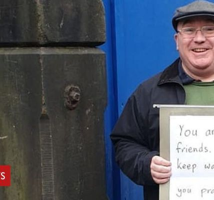 Support at mosque 'shows friendship'