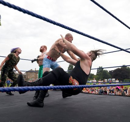 How brilliant were KAPOW Pro Wrestling? I've been practising my chokeslams  #Dee...