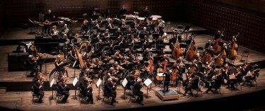 17. Orquesta Sinfónica de Amberes, Bélgica - Director: Robert Treviño, Estados Unidos. Coro de Cámara de la Universidad de Música de Viena Webern-Kammerchor der mdw y Coro Filarmónico Juvenil