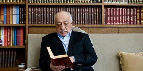 Gülen veroordeelt aanslagen Charlie Hebdo