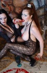 LesbianBloodVamps2_0019