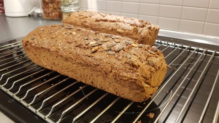 kjempe godt lavkarbo grovbrød laget på slump som er keto vennlig og lavt karbohydrat innhold smaker helt fantastisk