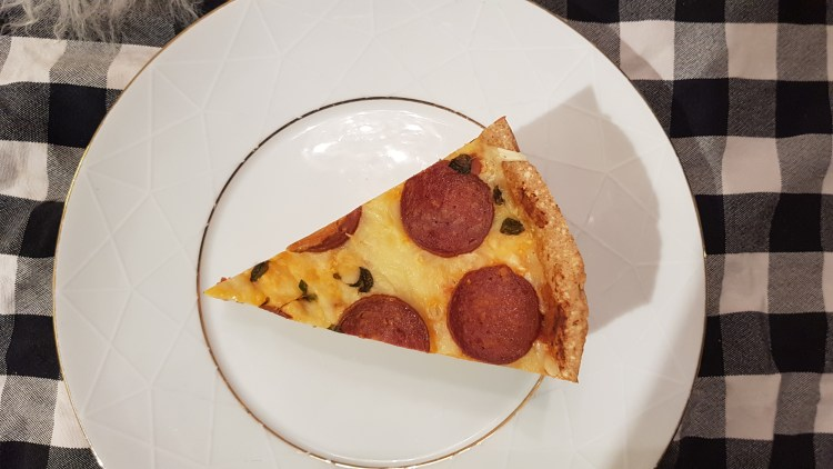 deep dish pizza - lavkarbo