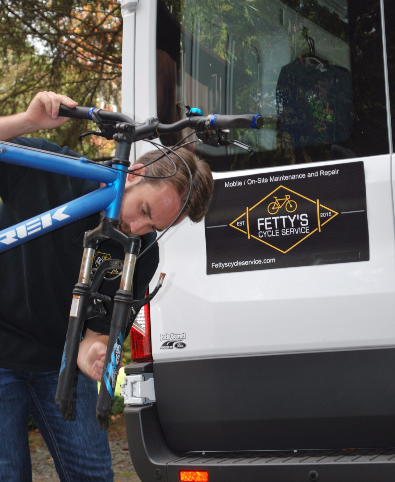 on-site bicycle suspension repair