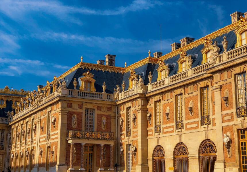 フランス王ルイ14世が建てたベルサイユ宮殿