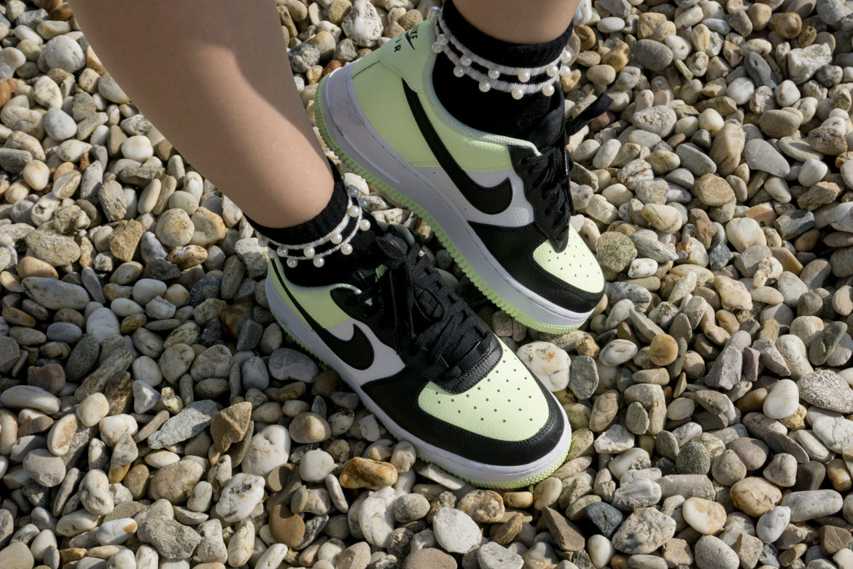 Sneaker und Socken