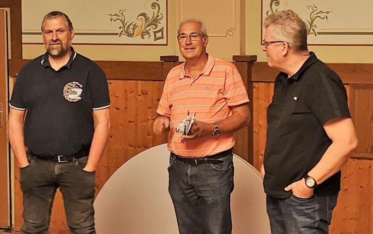 Dieter Stein und Frank Schemmer werden für 25-jährige Vorstandstätigkeit geehrt