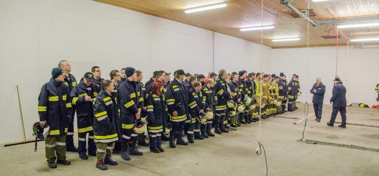 Richtiges Sichern von Personen im Feuerwehrdienst