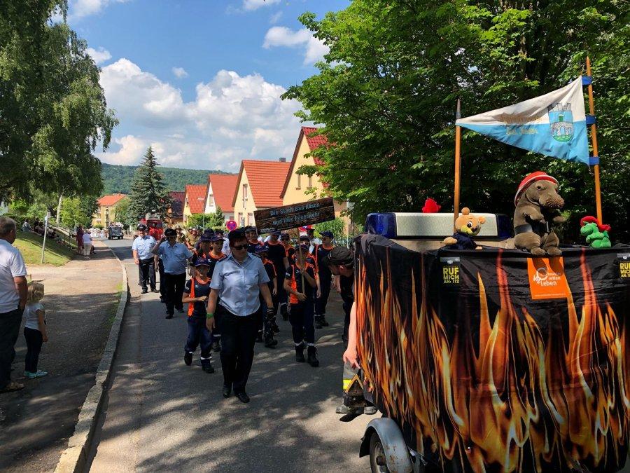 Brunnenfest-Umzug-Feuerwehr