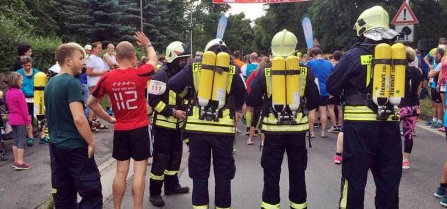Feuerwehr Coswig beim 37. Sachsenlauf durch Coswig´s Spritzgrundwald