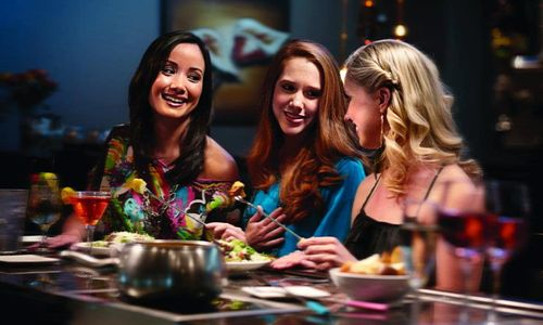 Top-All-Ladies-Nights-with-Femme-Fatale-de-Fondue-at-The-Melting-Pot