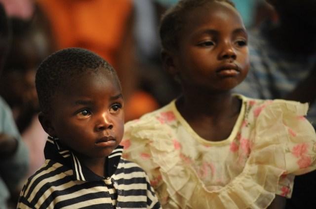 Znalezione obrazy dla zapytania procesja dziecieca w nigerii zdjecia