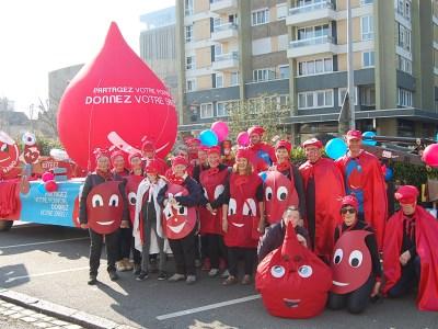 Chalon sur Saône (71) : Une bande de « goniaux » au carnaval