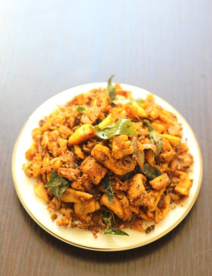 Shredded Chicken Fry / Pichi Potta Kozhi