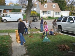 Youth_Group_rake_and_Run_yardwork_for _others2