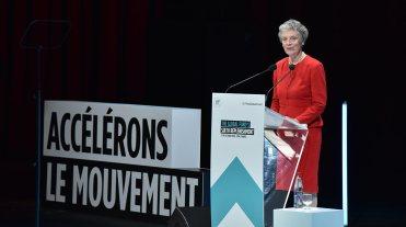 ノーベル賞受賞者のセッションにて、故コフィ・アナン国連事務総長夫人のナナ・アナン氏が登壇、グローバルファンド創立の父であるアナン氏のエピソードを紹介 The Global Fund / David O'Dwyer