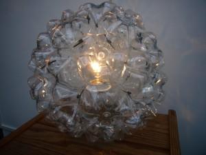 lampe aus pet flaschen fgme. Black Bedroom Furniture Sets. Home Design Ideas