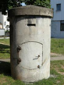 Splitterschutzzelle von Leonhard Moll in Feuerbach. Die Zelle der Gebr. Schoch stand nur ca. 50 m entfernt im Firmengelände.