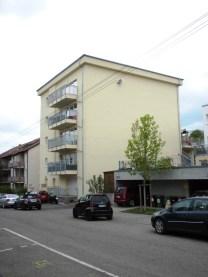 Die 5 Wohnungen mit je 130 qm haben alle einen Balkon zur Sattelstraße.