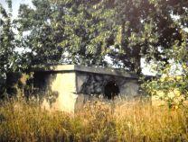 Bunker der Scheinanlage im Hausener Weg 1980. Die Bunker wurden inzwischen alle abgerissen.