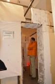 Ein Raum im Raum mit den exakten Abmessungen eines Bunkerraums macht die Enge im Bunker erlebbar.