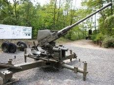 4 cm Bofors-Geschütz im Museum in Eperleque. Solche Kanonen waren 1943 auch am Burgholzhof stationiert.