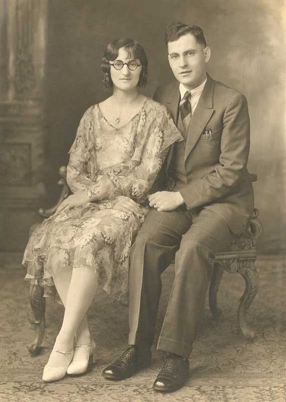 1930s fashion couple