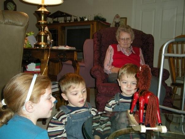 Figure 1. Grandma and grandkids at Christmas 2008