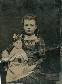 3 Tips for Identifying Old Family Photos