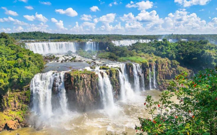 This image has an empty alt attribute; its file name is iguazu-falls.jpg