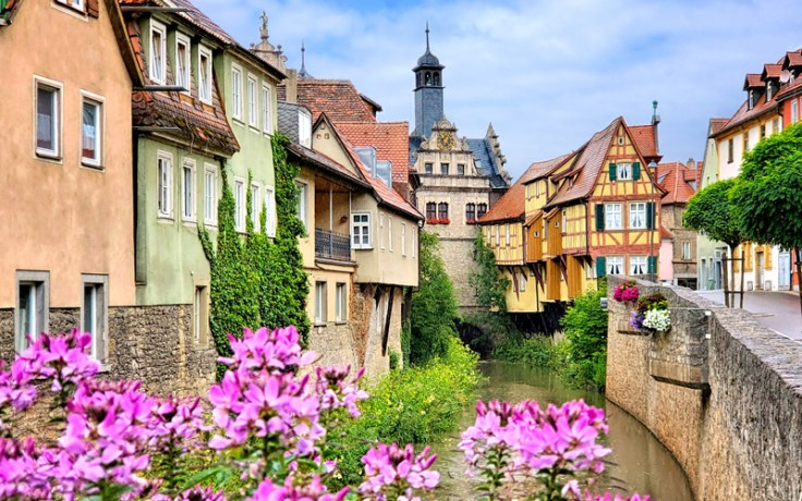 A colorful image of Germany homes