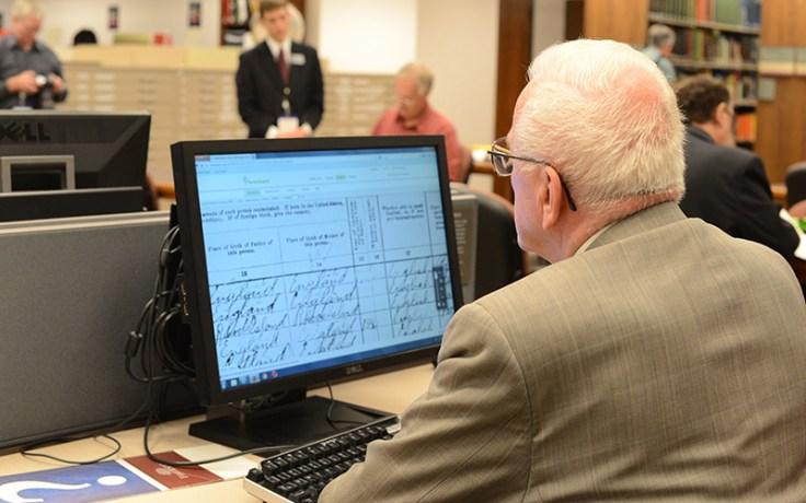 an elderly man indexes.
