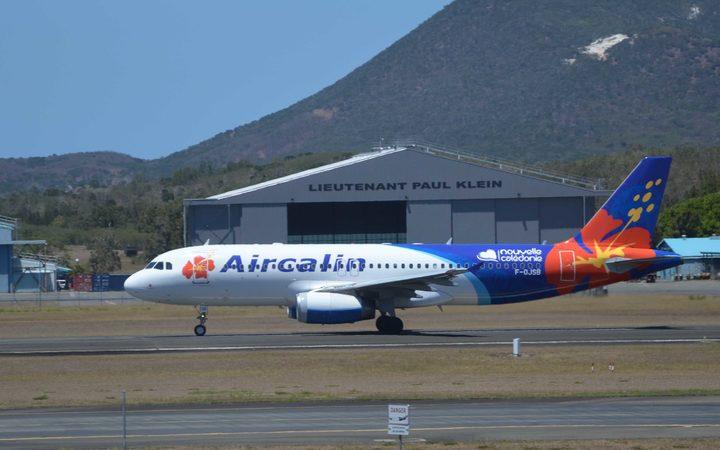 Wallis air service costs decried