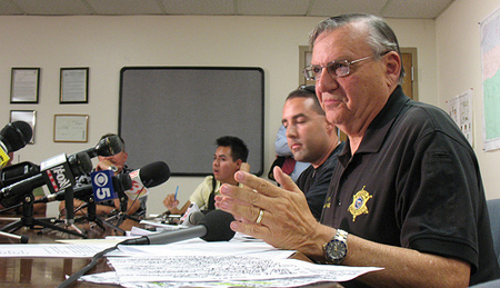 Sheriff Joe Arpaio speaks to the press in Phoenix. (File photo: Valeria Fernández)