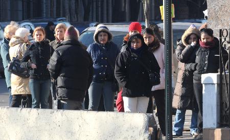 Female day laborers in Williamsburg, Brooklyn - Photo: Marcin Zurawicz