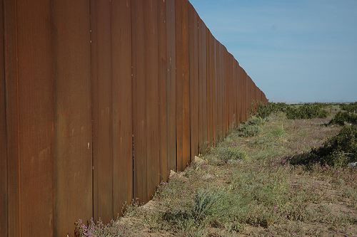 U.S.-Mexico Border - Photo: wonderlane/flickr