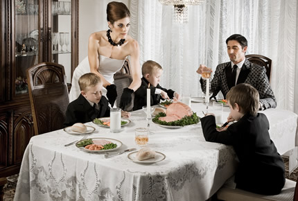 Comportamiento en la mesa sin temor a equivocarse for Como se pone la mesa