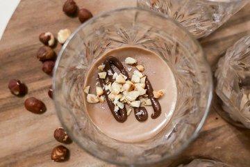 Panna cotta med Nutella och hasselnötter