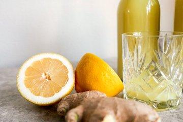 Shot med ingerfära, honung och citron