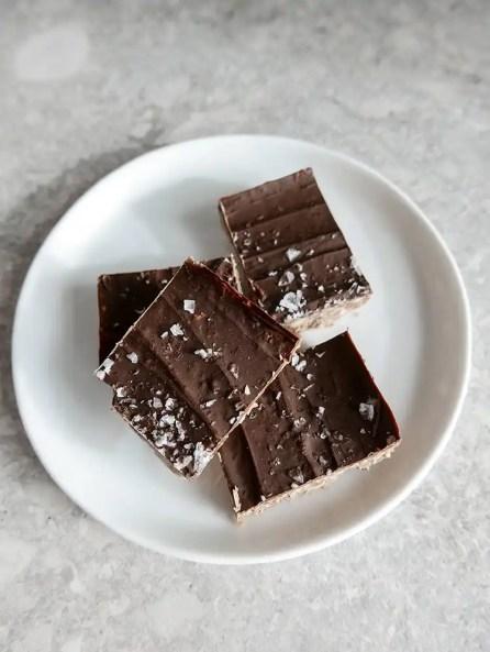 Snickerskaka med choklad