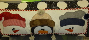 P1000613 3 fellows on a pillow