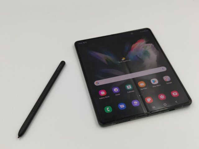 samsung-galaxy-fold3-hands-on-review-8220-38221