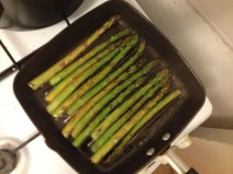 asparagus on the griddle pan - yum!