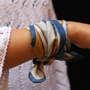 petot carré soie tour de poignet