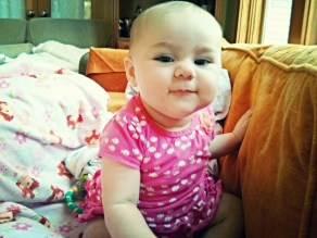 Such a cuuuute, chubby girl!
