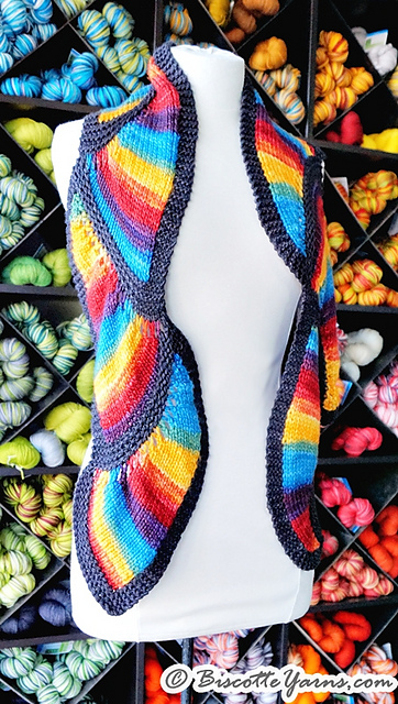Biscottes Serpentine Scarf by Louise Robert, © Louise Robert