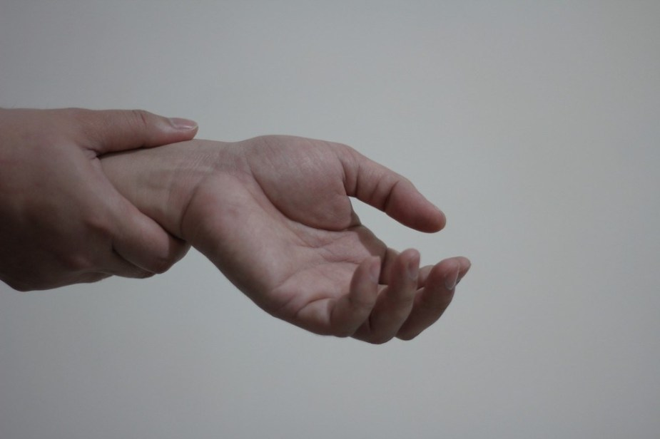 Severe Hand Pain with Fibromyalgia and Its Treatment Options