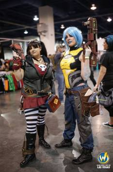 Gaige and Maya: Borderlands 2 Cosplay