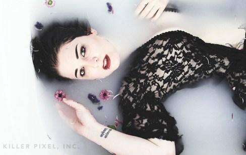 glenda // bathtub // vegas